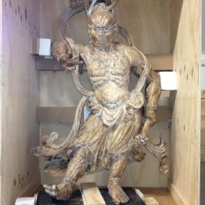 Transportsicherung Antike Figuren